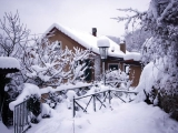 Casa sotto la neve